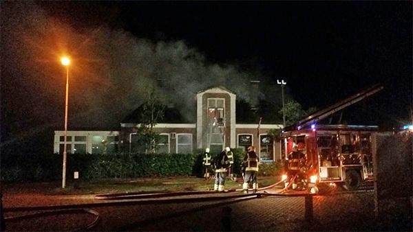 vrijdag 15 juli - Grote brand bij Sa Leuk Hus in Gytsjerk