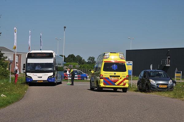 dinsdag 19 juli - Bus ramt auto op Strobosserweg Dokkum
