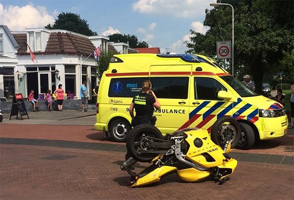 donderdag 21 juli - Motorrijder onderuit bij ongeval in Drachten
