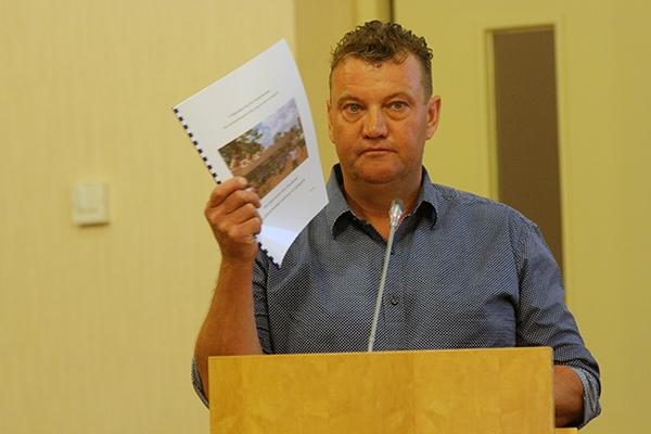 zaterdag 17 september - Burgum: eerste raadsvergadering voor Mansveld