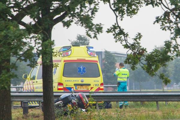 zaterdag 17 september - Motorrijder raakt van de weg op A7