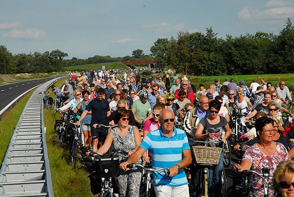 zaterdag 24 september - Meer dan 20.000 fietsers op de Centrale As
