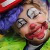 30 augustus 2014 Garyp - Dizze clown hie it juster tige nei har sin tidens de optocht yn Garyp.