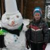 25 januari 2015 Anjum - Lucas en Camilla met de sneeuwpop.