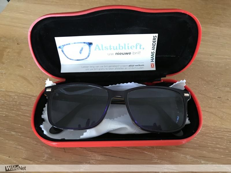 dinsdag 23 juli - Gevonden op 4 juli zonnebril op sterkte in rode brillenkoker handanders