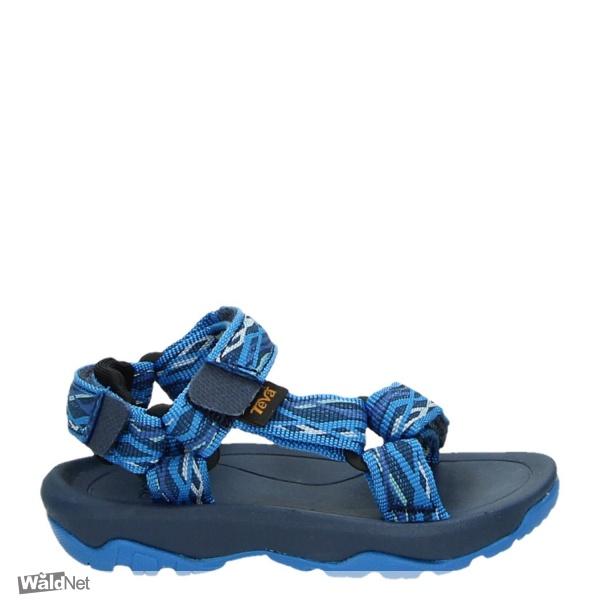 vrijdag 21 augustus - Blauwe teva sandalen