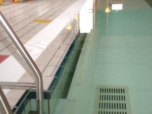 Jongetje bekneld in Dokkumer bad