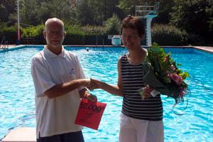 Surhuisterveen: topdrukte zwembad