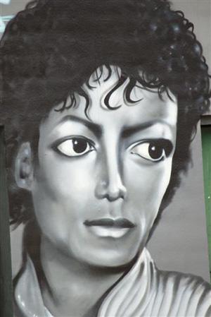 Drachten: Michael Jackson op graffiti