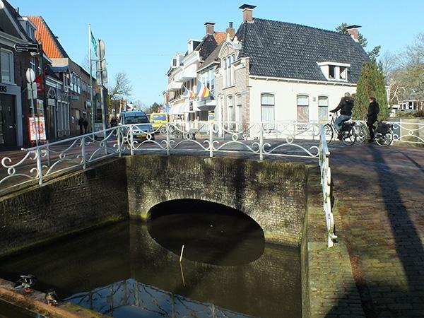 Brug binnenstad Dokkum vier weken gestremd