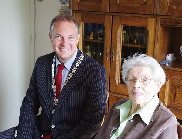 Folkje Algra viert haar 100e verjaardag