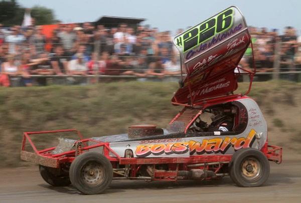Pieter van der Iest wint NK Stockcar F1