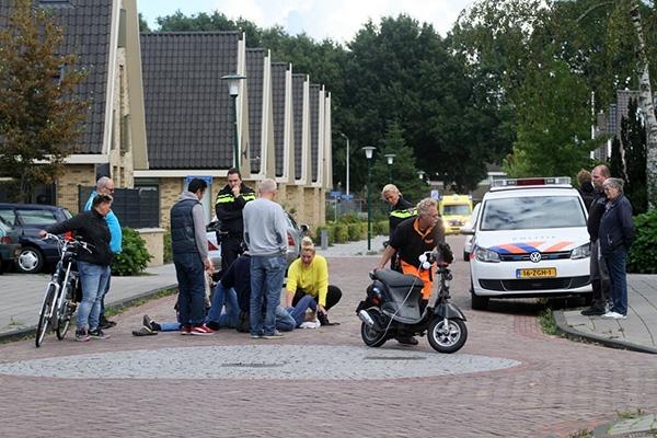 Scooterrijder gewond na botsing met Mercedes