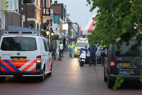 Pizzakoerier rijdt meisje aan op Moleneind - Waldnet - Waldnet