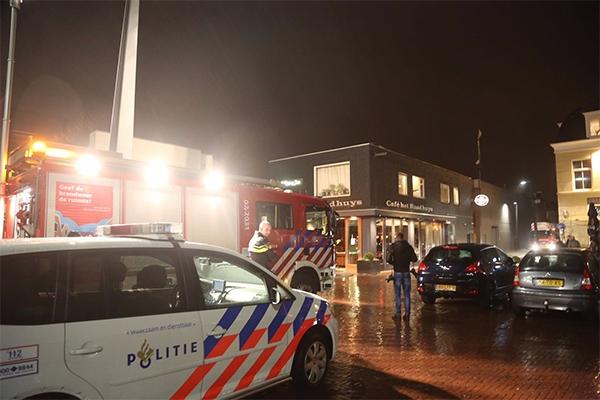 Café het Raadhuys even ontruimd om brandgerucht
