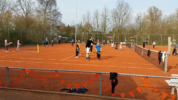Tennisclinics bij tennisclub Drogeham