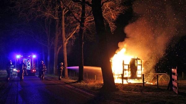 Politie zoekt getuigen brandstichting schaftketen