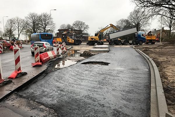 Brug Burgum afgesloten voor asfaltering