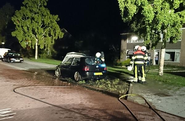 Auto uitgebrand in Zwagerbosch
