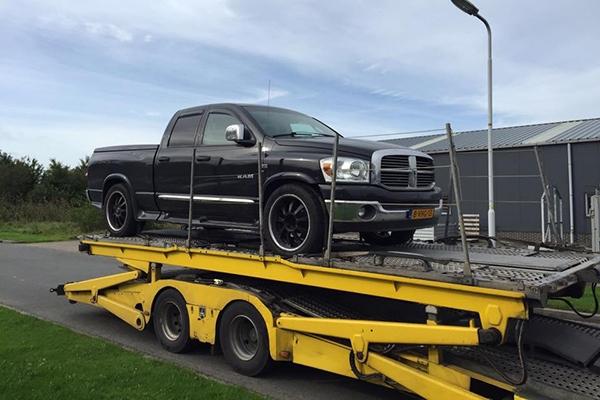 Gestolen Dodge Ram duikt op in Zweden