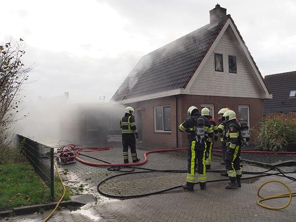 Schade na woningbrand in Metslawier