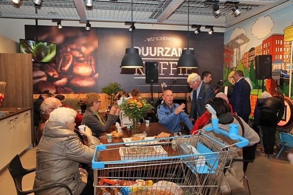Gemeente beboet winkels die op zondag opengaan