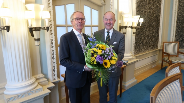 Gerard van Klaveren wn burgemeester Ameland