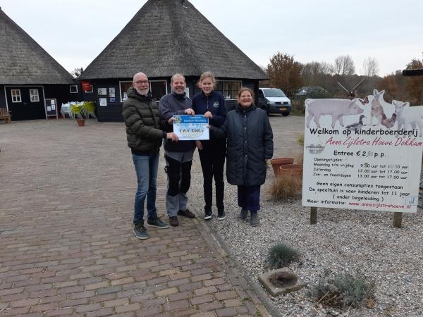 Lionsclub doneert 500 euro aan Anna Zijlstra Hoeve