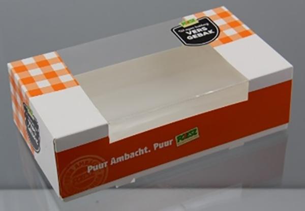 Poiesz haalt gebak uit winkels om stukjes plastic