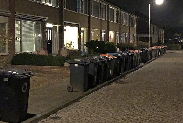 Afvalbakken eens per vier weken geleegd