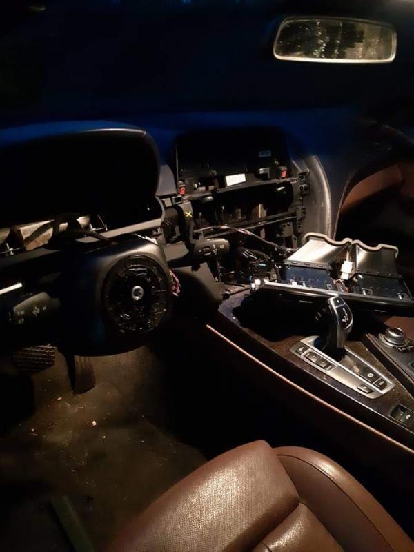 Dashboard gestolen bij inbraak auto Gorredijk