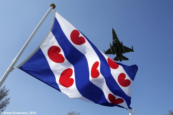 Ronkende motoren: Frisian Flag gaat van start