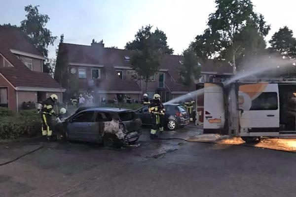 Auto's in brand in Surhuisterveen