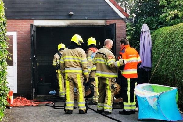 Gewonde bij garagebrand in Nij Beets
