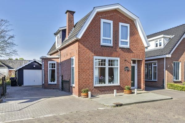 Huis van de maand: Slotstraat 5 te Surhuisterveen