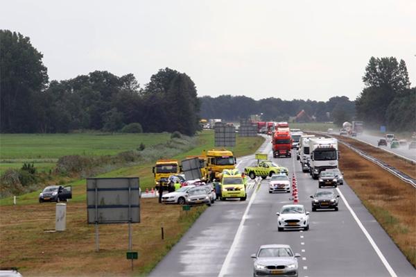 File van 6 km na ongeval bij Terwispel
