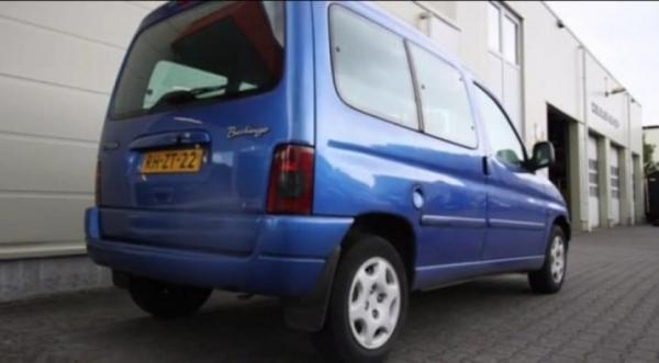 Blauwe Citroën Berlingo gestolen in Hantumhuizen
