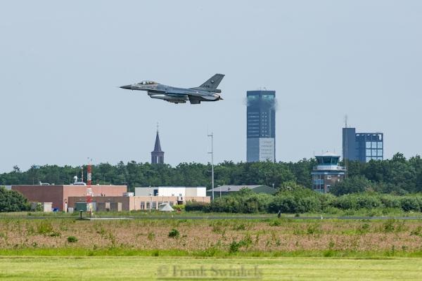 Eindexamen: 30 F-16's in het luchtruim
