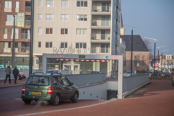 Illegale autoverkoop uit parkeergarage Drachten