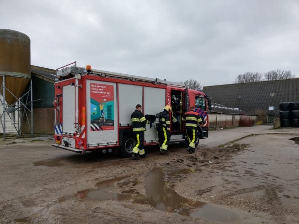 Shovel uitgebrand langs Oude Dijk in Buitenpost