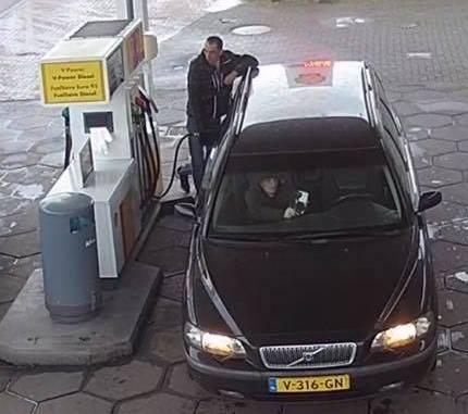 Stel tankt auto zonder te betalen in de regio
