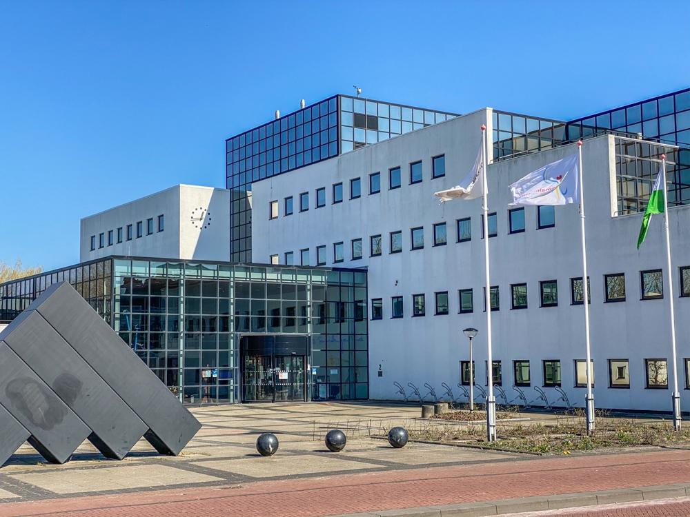 Nieuwe wethouders Sm'land: Fries passief beheersen