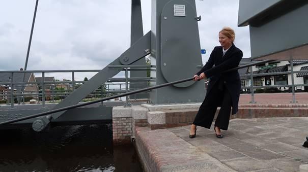Nieuwe brug Stokersverlaat in Appelscha geopend