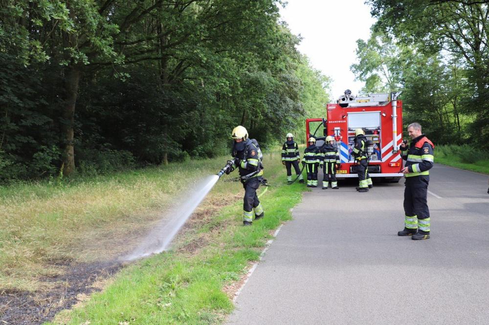 Bermbrandje aan Koumarwei door brandweer geblust
