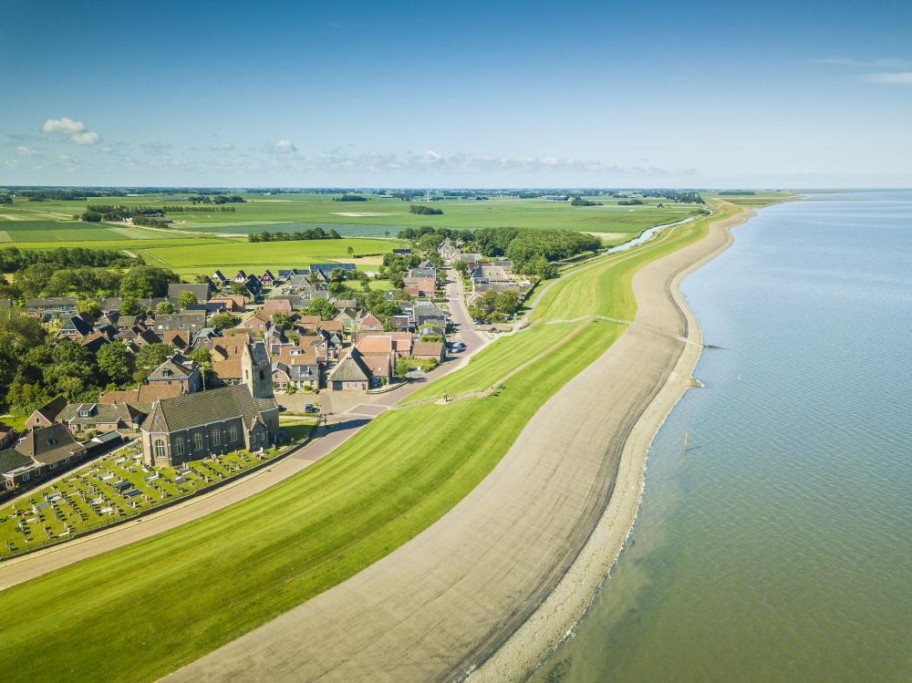 Start met versterking 47 km Waddenzeedijk