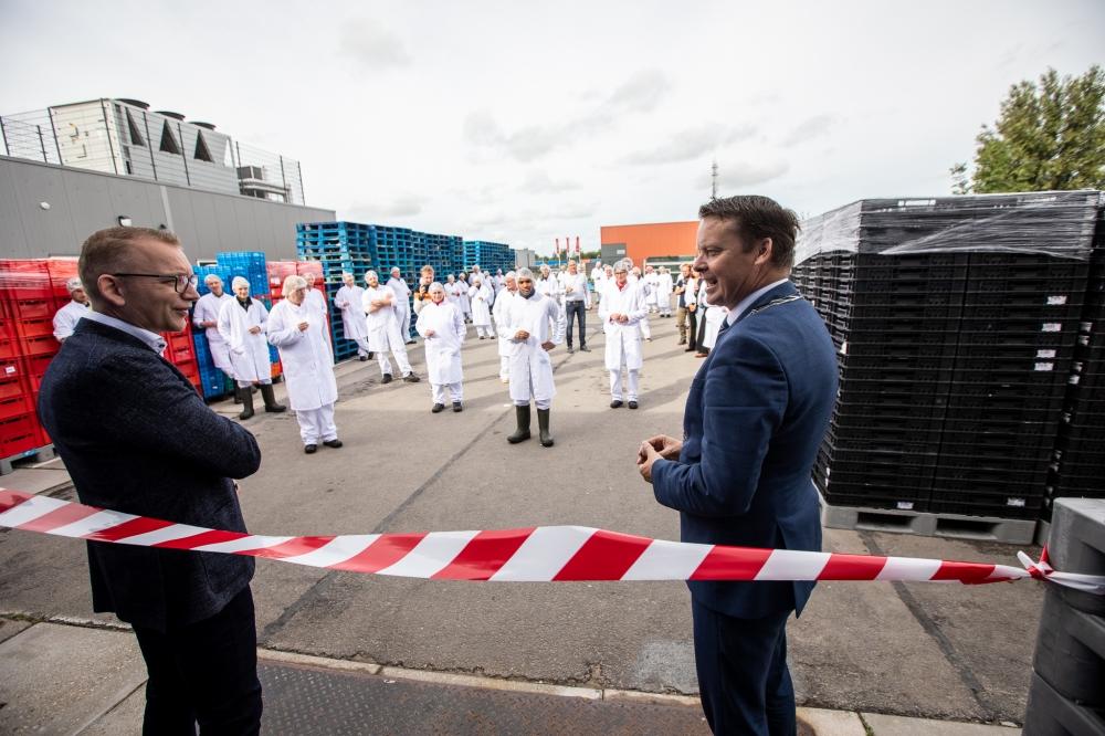 Burgemeester Kramer opent uitbreiding Weidenaar